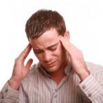 Kopfschmerzen können ein unspezifisches Symptom sein.